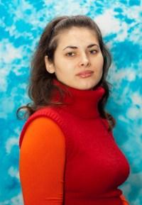 Лiлiя Дмитрiвна Кожокар : учитель біології, хімії та основ здоров'я