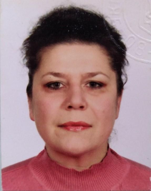 Марина Володимирiвна Реутова : вчитель російської мови, літератури, зарубіжної літератури
