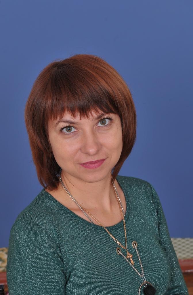 Тетяна Павлiвна Давиденко : вчитель історії