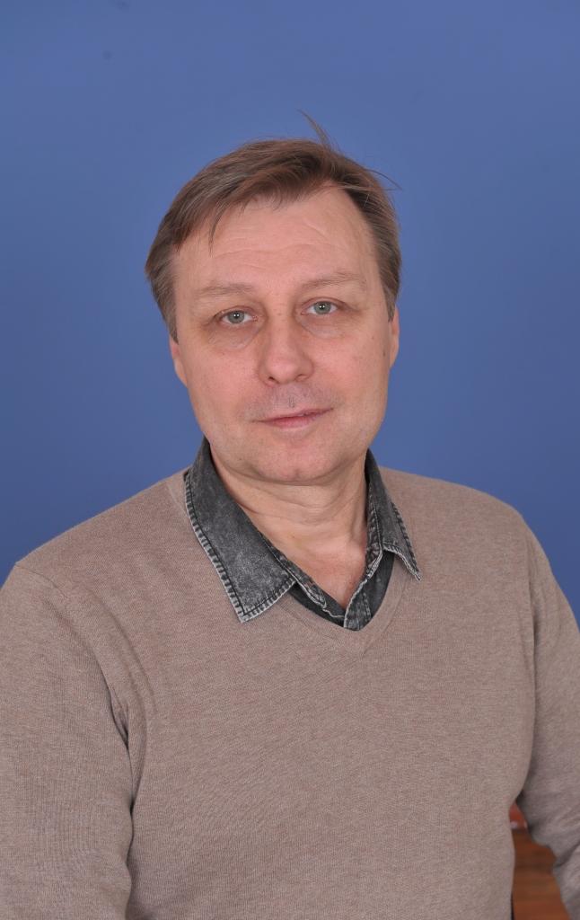 Андрiй Вячеславович Єлькiн : вчитель хімії