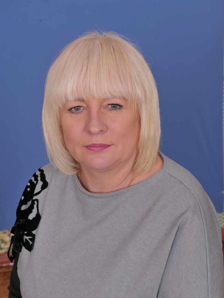 Свiтлана Володимирiвна Юдiна : вчитель початкових класів